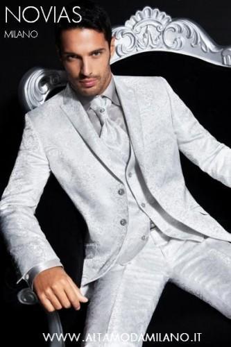 TIGHT e Mezzo Tight cerimonia uomo elegante milano NOVIAS. Il ritorno dell abito  da uomo elegante per eccellenza il TIGHT rigorosamente MADE IN ITALY. 1d38062f1b7