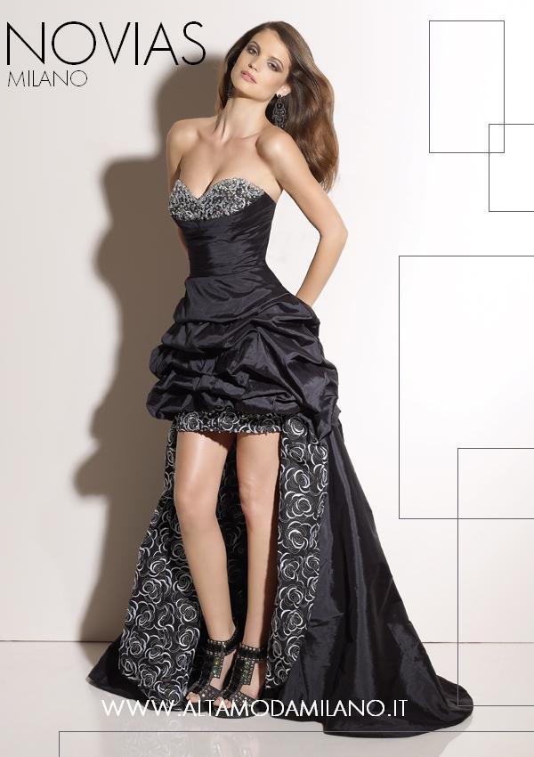 Vestiti Eleganti E Sensuali.Abiti Da Sera Eleganti E Sensuali Donna Protagonista Assoluta